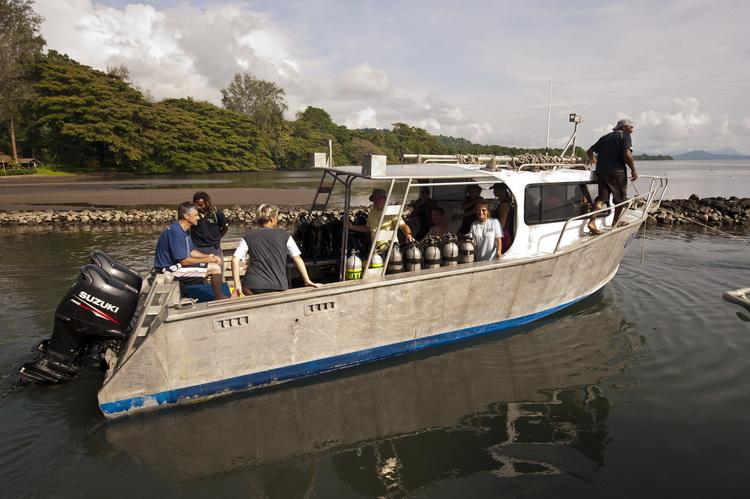 Walindi Dive Resort - Departing dive boat