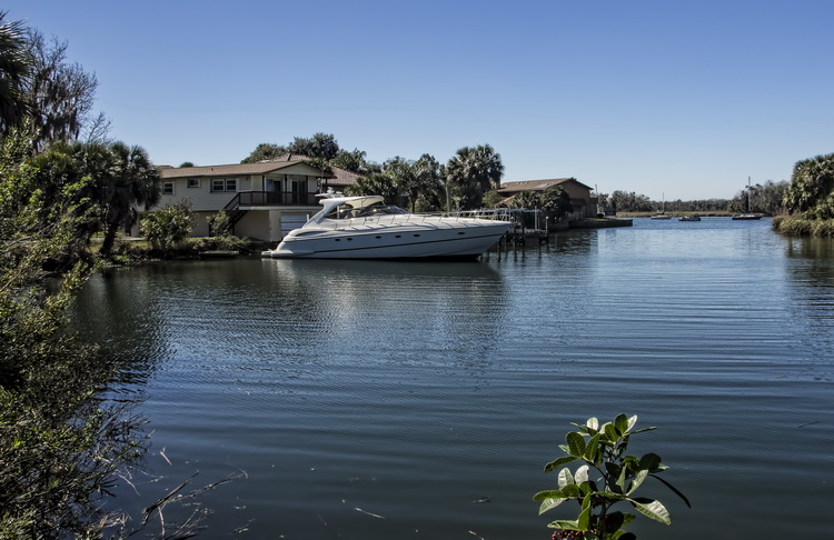 Crystal River Canal Side Homes