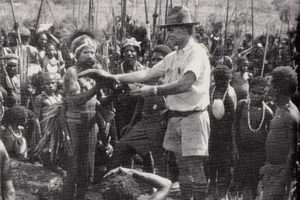 Understanding Papua New Guinea - Michael Leahy in 1934