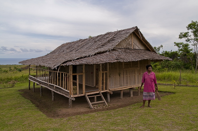 Village Life in Tufi - Jackson's Guest House in Orotoaba Village