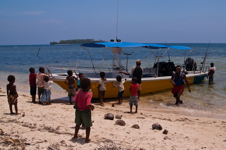 Black Jack Wreck Dive Operators - Tufi's Dive Boat